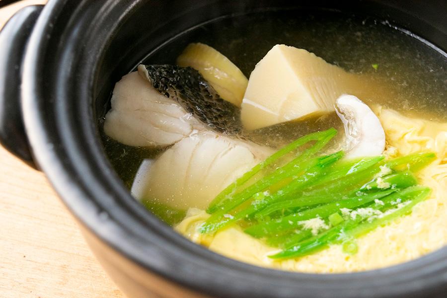 筍とすずきの小鍋仕立て